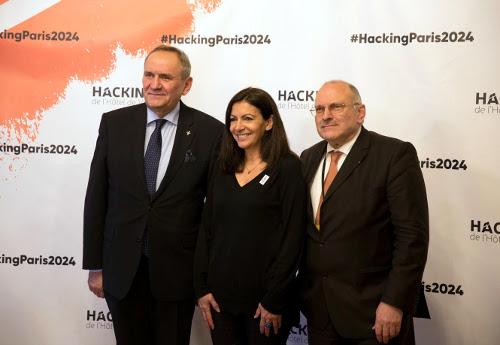 Na zdjęciu odlewej: Prezes PKOl Andrzej Kraśnicki, Mer Paryża Pani Anna Hidalgo, Sekretarz Generalny CNOSF Pan Jean Michel Brun