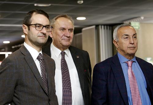 Na zdjęciu odlewej: Tomasz Poręba, Andrzej Kraśnicki iAlejandro Blanco