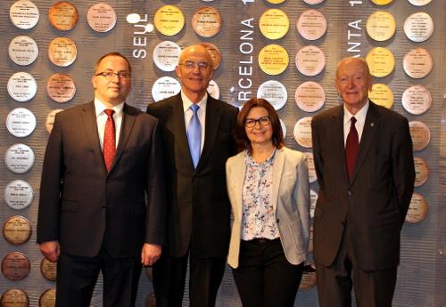 Na zdjęciu odlewej: Grzegorz Bachański, Lubomir Kotleba, Marzenna Koszewska, Kajetan Hądzelek/Fot.: PZKosz