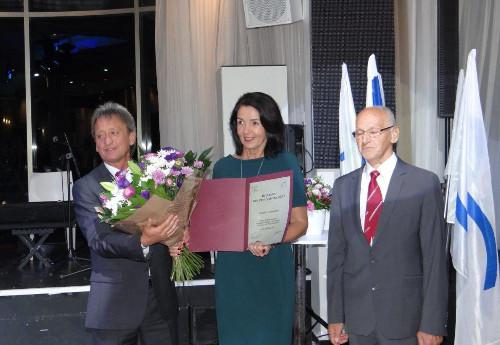 Od lewej: Christian Hinterberger (przewodniczący EFPM), prof.Halina Zdebska-Biziewska, Miroslav Cerar (Słowenia, przewodniczący kapituły nagród EFPM, multimedalista olimpijski wgimnastyce sportowej).