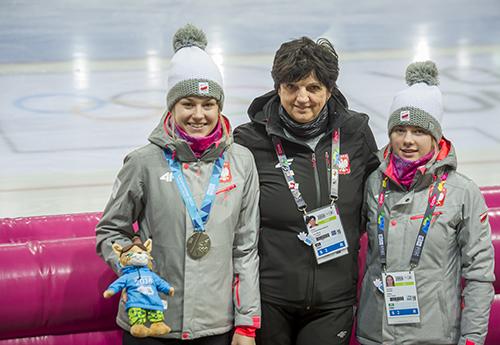 Karolina Gąsecka, trenerka Jolanta Gołębiewska-Kmiecik, Karolina Bosiek/Fot.: Szymon Sikora